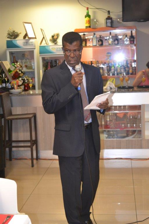 The MC for the evening Rt Georges