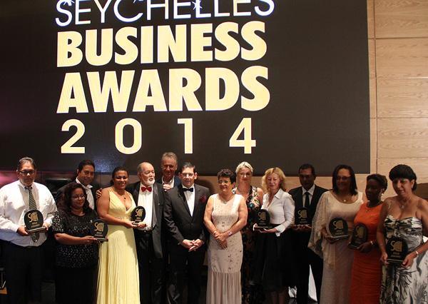 Group-photo-of-award-receipients